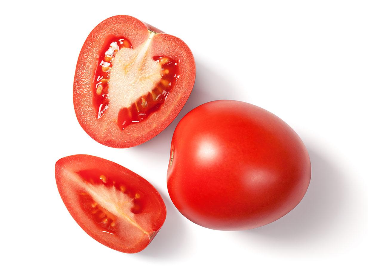 Tomates en fondo blanco